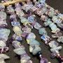 Amethyst-, Opalglas- und andere Steinsplitter