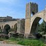 © Traudi  -  Brücke in Besalu, einem wunderschönen mittelalterlichen Städtchen am Fuße der  Pyrenäen, Katalonien