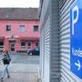 Hannover - Pussy und Kundenparkplatz