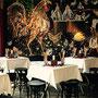 Innenansicht des Restaurants Calanda mit Wandgemälde