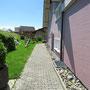 Restaurant Bildhus, Ricken - zur Terrasse vom Rollstuhlparkplatz dem Haus entlang
