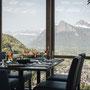 Restaurant Schloss Wartenstein, Pfäfers - Wintergarten, Tisch mit Aussicht