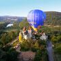 Château des Milandes à 1 km du Coustaty vue de montgolfière