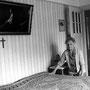 Bett machen, zu Hause,der Schlaf ist von Jesus beschützt,Grosmutter, alte Frau, 92 jährig  - © Art of Moment, Carmen Weder, Fotografie, Bern, Schweiz