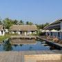 Poolanlage im Hotel in Luang Prabang