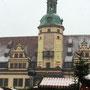 Das alte Rathaus. Auf diesem Platz ist der grosse Weihnachtsmarkt