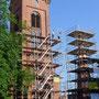 Abbund der Turmkonstruktion durch Zimmerei Gadow+Rose (© Foto Podiebrad)