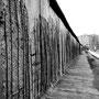 Bernauer Strasse memorial mur
