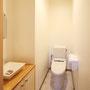 1Fトイレ シンプルだけど、使い易い空間です。