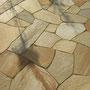 Terrassenbelag aus Polygonalplatten