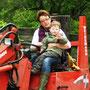 Urlaub auf dem Bauernhof eifel - Hoftrac fahren macht Spaß