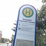 Bushaltestelle 80 m, Hauptstraße, in der Hauptsaison im 12- Minuten-Takt