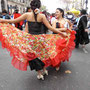 Rassige Tänze am Fest