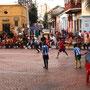 Fussballmatch auf dem Plaza de la Trinidad