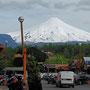 Pucon mit Sicht auf den Vulkan Villarrica