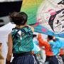 なびく、旗と髪/亀井穗さん