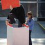 3 sekunden berühmt!  5.5.03 performance piankothek der moderne münchen  foto: ingrid gaier