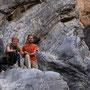 mutter und sohn unterwegs im snake canyon