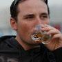 unser gastgeber borisz beim tee trinken