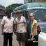 mit herrn selvaraj vor unserem bus. der partner von frau renuka