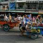 typisches strassenbild in phnom penh