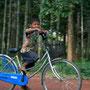 noch ein bisschen zu klein für muttis fahrrad