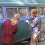 unser bus wird geschmückt