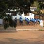 morgengymnastik in einer grundschule