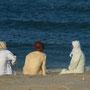 gemütliche fischerrunde am beach
