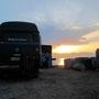 sonnenuntergang in aqaba, mit blick auf das rote meer und die isralelische/ägyptische grenze.