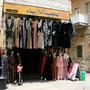 farbenprächtige kleider für die palästinänsischen frauen