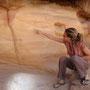 und erforscht die verschiedenen sandschichten