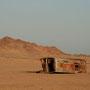 nicht alle fahrzeuge überleben die wüstendurchquerung