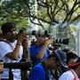 fan's nehmen mit ihren riesenobjektiven die boliden ins visier