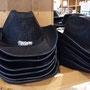 2017 SLAGHAREN THEMEPARK & RESORT Cowboyhoed met verlichting (Kleur zwart).