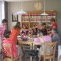 nous tous en train de déjeuner au salon de thé