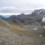 Auf dem Tierbergsattel der Blick ins herbstliche Tal.