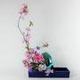 M. Hartz-Riemann: Kirschblüte, Gerbera, Clematis, glänzendes Osterei