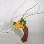 T. Hayashi-Matt: Forsythie, Tulpen, Monstera-Blätter, Weidenkätzchen (Salix) - Frühling
