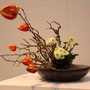 M. Knappe-Houzer: Chrysanthemen, Zweige, Lampionblume