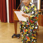 Shuko Kurose-Ellner, 2. Vorsitzende, verliest das Grußwort des japanischen Generalkonsuls Tetsuya Kimura