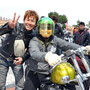 バイク好きなんですね~!ステキな笑顔です!