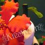 3 stöckige Hibiskus Fondanttorte mit Bambus und Glückskeksen - rot orange - Blüte