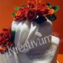 Hochzeitstorte mit Rosengesteck - Fondantschaal