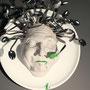 L'Avaleur - Sculpture pour le visuel de l'affiche du Festival de Sculpture Camille Claudel La Bresse 2015 - Argile, cuillères, plat faïence, acrylique - 40 x 40 x 18 cm  <br><br>Sculpture . gourmandise
