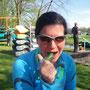 Impressionen beim 20km Paddeln, Belohnung: Gurke am Band