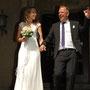 elegantes Brautkleid aus Stretch-Seidensatin mit Seiden-Crépe-Georgette darüber