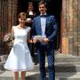 Kurzes Brautkleid aus strahlend weißem Seidenorganza