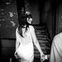 Süßes und verführerisches, kurzes Brautkleid aus Stretch-Seidensatin mit luxuriöser Spitze