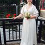 Sommerliches Brautkleid aus Bio-Baumwollsatin und besticktem Seidenorganza